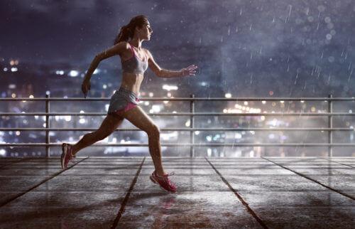 雨の日に走るのにおすすめのランニングシューズ3選